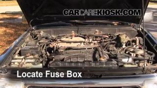 Replace a Fuse: 1990-1995 Toyota 4Runner