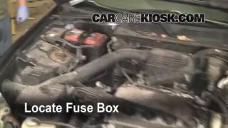 Replace a Fuse: 1996-2000 Honda Civic