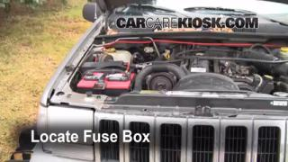 Replace a Fuse: 1993-1998 Jeep Grand Cherokee