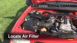 1999-2005 Suzuki Grand Vitara Engine Air Filter Check