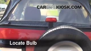 Third Brake Light Bulb Change Suzuki Grand Vitara (1999-2005)