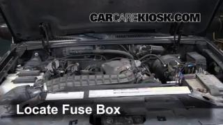 Replace a Fuse: 1995-2001 Ford Explorer