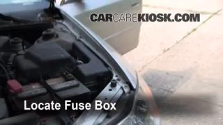 Replace a Fuse: 2000-2004 Toyota Avalon
