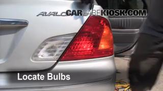 Tail Light Change 2000-2004 Toyota Avalon
