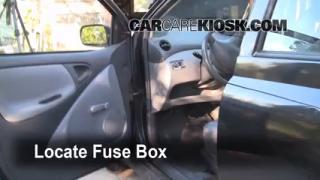 2000-2005 Toyota Echo Interior Fuse Check