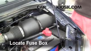 Replace a Fuse: 1999-2003 Ford Windstar