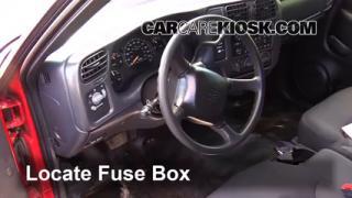 1994-2004 Chevrolet S10 Interior Fuse Check