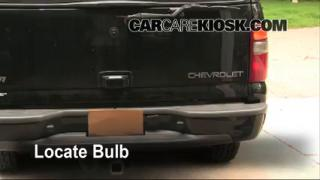 Tail Light Change 2000-2006 Chevrolet Suburban 1500