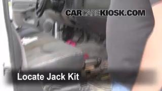 1999-2007 GMC Sierra 1500 Jack Up How To