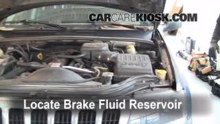 1999-2004 Jeep Grand Cherokee Brake Fluid Level Check