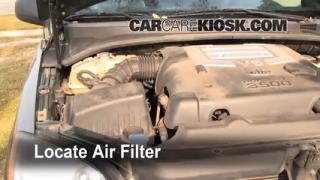 2003-2009 Kia Sorento Engine Air Filter Check