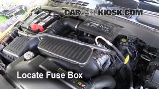 Replace a Fuse: 2004-2009 Dodge Durango