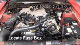 Replace a Fuse: 1994-2004 Ford Mustang