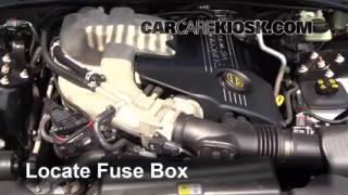 Replace a Fuse: 2000-2002 Lincoln LS
