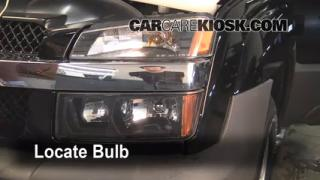 how to replace a running light bulb on 2002 chevy avalanche autos post. Black Bedroom Furniture Sets. Home Design Ideas