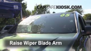 Front Wiper Blade Change Chevrolet Equinox (2005-2009)