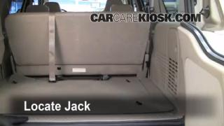 2000-2005 Ford Excursion Jack Up How To