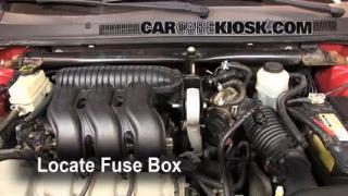 Replace a Fuse: 2005-2007 Ford Five Hundred