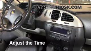 How to Set the Clock on a Chevrolet Monte Carlo (2006-2007)