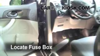 2005-2007 Ford Focus Interior Fuse Check