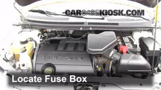 Replace a Fuse: 2007-2013 Lincoln MKX
