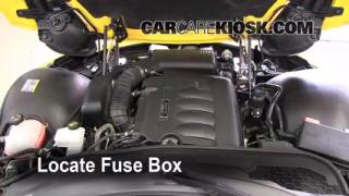 Replace a Fuse: 2006-2009 Pontiac Solstice
