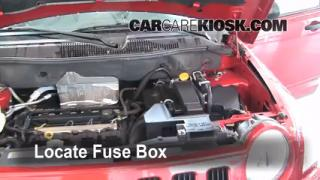 Replace a Fuse: 2007-2010 Jeep Compass