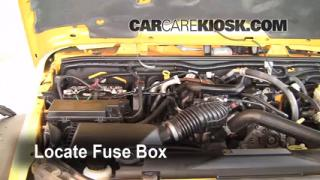 Replace a Fuse: 2007-2013 Jeep Wrangler