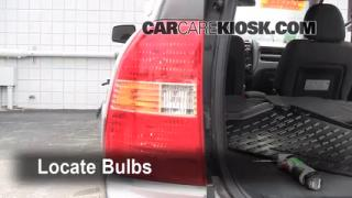 Tail Light Change 2005-2010 Kia Sportage