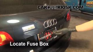 Replace a Fuse: 2007-2014 Audi Q7