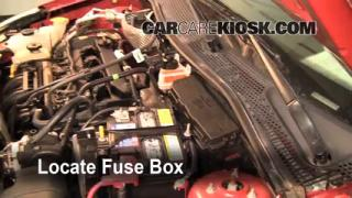 Replace a Fuse: 2000-2011 Ford Focus