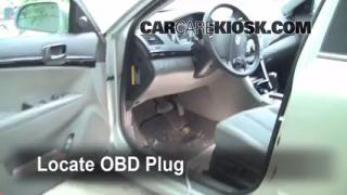 how to change brake light bulb hyundai getz