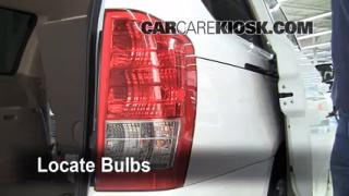 Tail Light Change 2006-2012 Kia Sedona