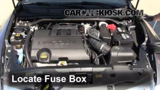 Replace a Fuse: 2009-2014 Lincoln MKS