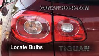 Reverse Light Replacement 2009 2014 Volkswagen Tiguan