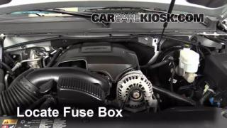 Replace a Fuse: 2007-2013 Chevrolet Suburban 1500