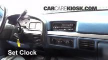 1995 Ford F-250 XL 7.5L V8 Standard Cab Pickup (2 Door) Reloj