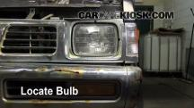 1995 Nissan Pickup XE 3.0L V6 Extended Cab Pickup Luces