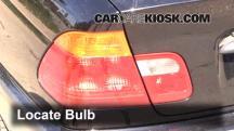 2001 BMW 325i 2.5L 6 Cyl. Sedan Luces