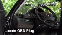 2001 BMW 325i 2.5L 6 Cyl. Sedan Compruebe la luz del motor