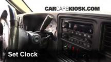 2005 Chevrolet Silverado 2500 HD 6.6L V8 Turbo Diesel Extended Cab Pickup (4 Door) Clock