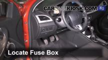 2009 Renault Megane Privilege dCi 1.5L 4 Cyl. Turbo Diesel Fusible (interior)