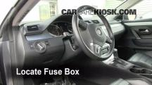 2009 Volkswagen CC Luxury 2.0L 4 Cyl. Turbo Fuse (Interior)