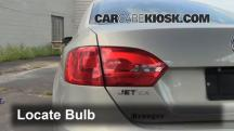 2011 Volkswagen Jetta SE 2.5L 5 Cyl. Sedan Luces