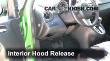 2012 Mazda 2 Touring 1.5L 4 Cyl. Hatchback (4 Door) Capó