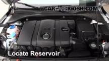 2012 Volkswagen Passat S 2.5L 5 Cyl. Sedan (4 Door) Líquido limpiaparabrisas