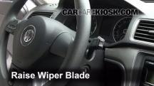 2012 Volkswagen Passat S 2.5L 5 Cyl. Sedan (4 Door) Escobillas de limpiaparabrisas delantero