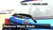 2015 Toyota Yaris LE 1.5L 4 Cyl. Hatchback (4 Door) Escobillas de limpiaparabrisas trasero