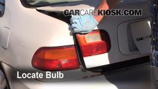 1995 Honda Civic EX 1.6L 4 Cyl. Coupe (2 Door) Luces Luz de reversa (reemplazar foco)