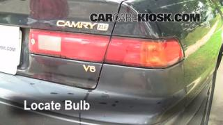 1997 Toyota Camry XLE 3.0L V6 Lights Turn Signal - Rear (replace bulb)